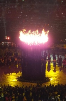 Olympic_Cauldron_after_being_lit_at_the_London_2012_Olympic_Games_Opening_Ceremony