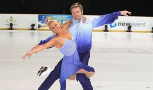 Jayne_Torvill_Christopher_Dean_Sarajevo_performance_ice_skating_olympics_dancing_on_ice_bolero-459572
