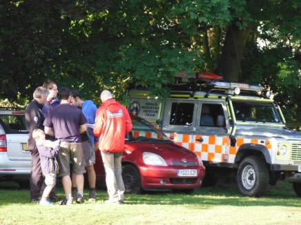 mountain-rescue-at-stanage-struggle