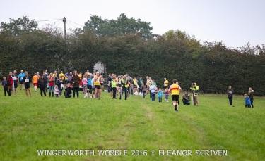 es-crowd-at-finish