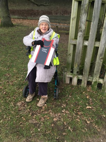 Bushy parkrun 13 jan 2018 Elisabeth supports Smileys