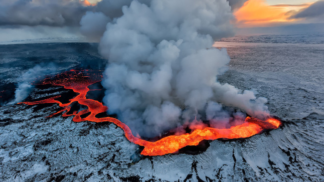 holuhraun-volcano-eruption-guide-to-iceland