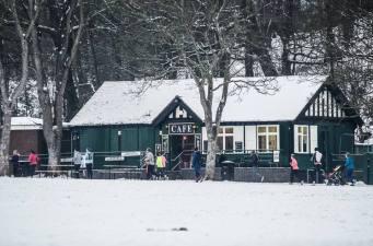 GC cafe snow