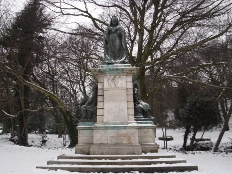 queen victoria in endcliffe park 2018