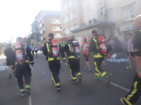 Mile 17 London Marathon grenfell firefighters (2)