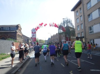 Mile 17 London Marathon grenfell firefighters (3)
