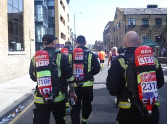 Mile 17 London Marathon grenfell firefighters (4)