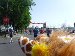mile 2 london marathon (1)