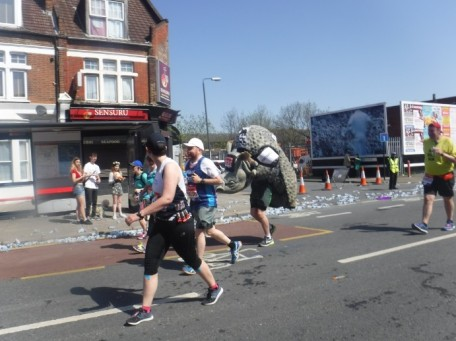 Mile 6 london marathon 2018 (9)