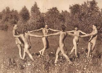 World Naked Gardening Day (1)